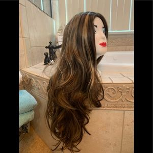 Full lace wig med blonde w highlight never worn